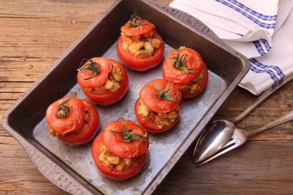 pomodori-farciti-con-fagioli-borlotti-sito584a8808a6faa